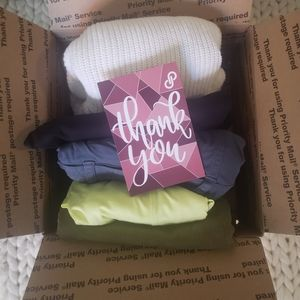 Women's Clothing Mystery Bundle 5 lbs 6-8 Items